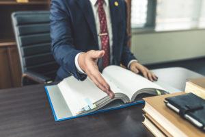 刑事事件における弁護士のメリットとデメリット|刑事弁護の役割とは